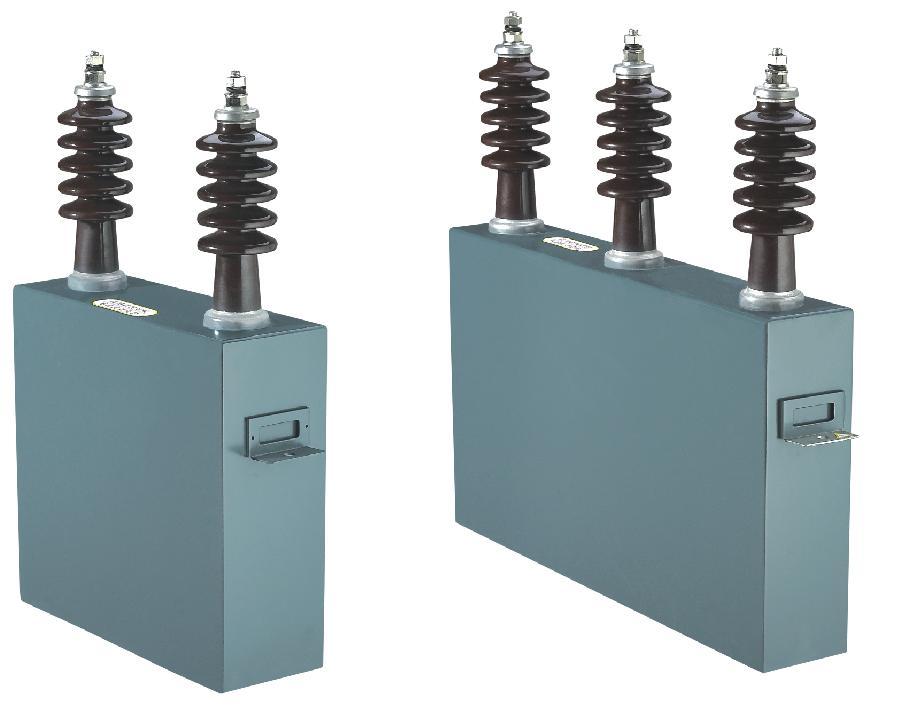 电容器单元固定在型钢支架上,按额定电压和额定容量通过串并联组成
